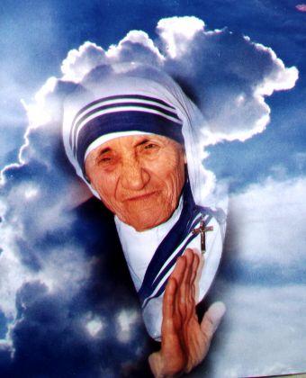 """Madre Teresa de Calcuta   """" DE TODOS MODOS"""""""